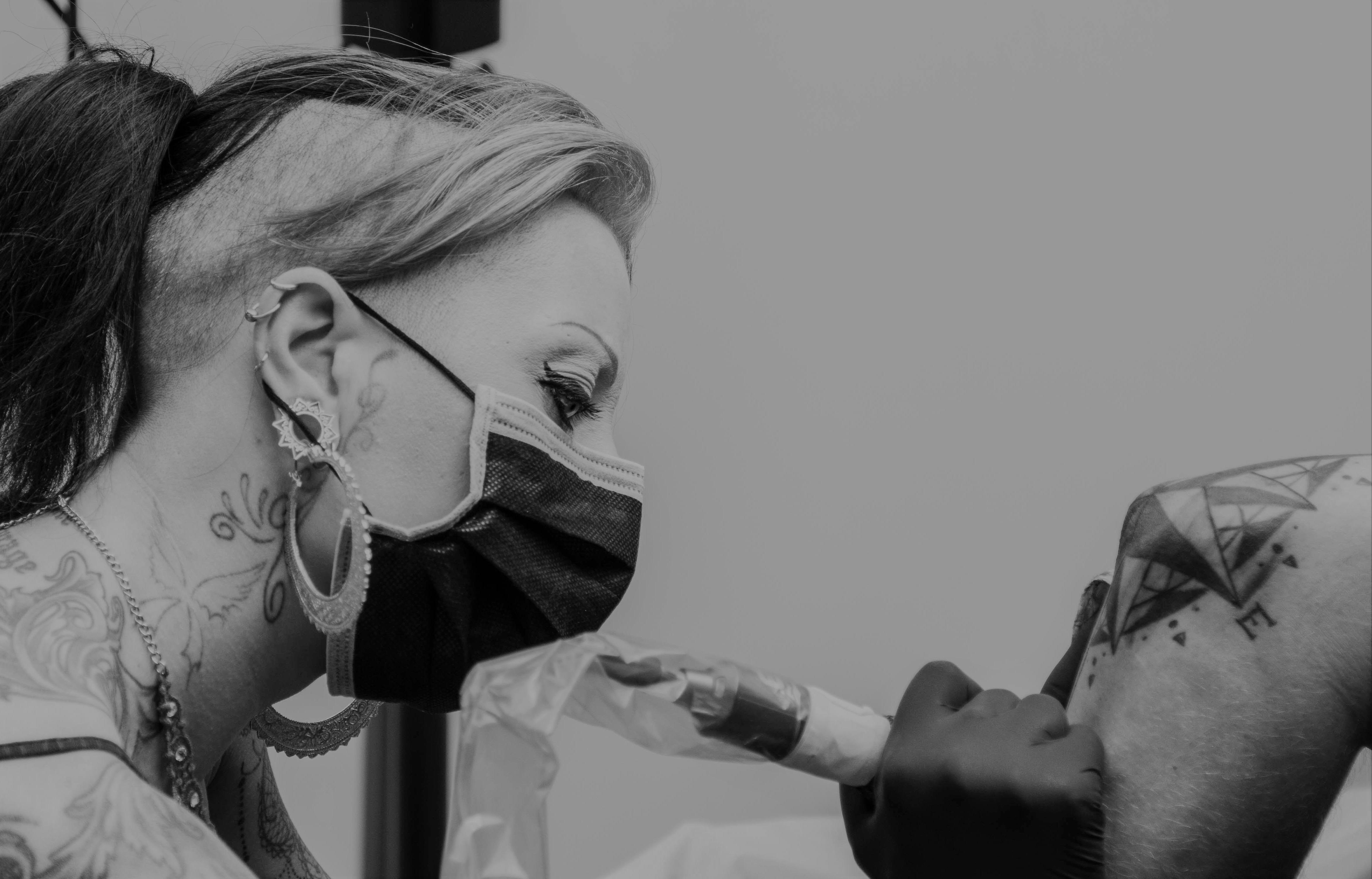 association-tatoueurs-tatouage-partage-masques-don-coronavirus