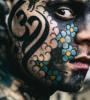 instituteur-tatoueur-association-tatouage-partage-freaky-hoody